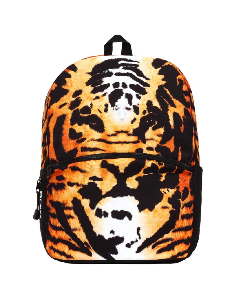 Рюкзак молодежный Mojo Tiger, 20 лKZ9984048Функциональный и вместительный рюкзак Mojo Tiger привлекает внимание оригинальным ярким, не похожим ни на кого принтом.Особенности:Выполнен из высококачественного полиэстера и покрыт полиуретановым слоем, препятствующим выгоранию на солнце и проникновению внутрь воды.Вместительный отсек для вещей, а также отсек для планшета с плотной подкладкой.Переносить рюкзак удобно за прочную текстильную ручку.Уплотнены ремни, спинка и дно рюкзака.Мягкие регулируемые наплечные лямки.Фирменная массивная молния Mojo.Светится в ультрафиолете.
