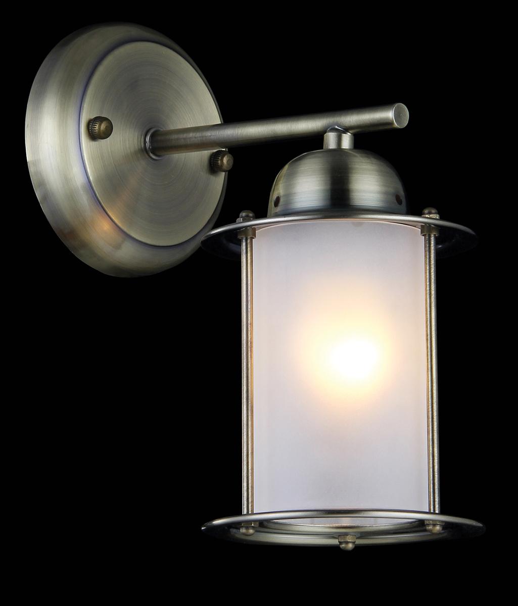 Бра Natali Kovaltseva, 1 х E27, 60 W. SEA 11358/1WSEA 11358/1W ANTIQUEБра Natali Kovaltseva, выполненное в классическом стиле, станет украшением вашей комнаты и изысканно дополнит интерьер. Изделие крепится к стене. Такое бра отлично подойдет для освещения кабинета, спальни или гостиной. Бра выполнено из металла, плафон изготовлен из матового стекла. В коллекциях Natali Kovaltseva представлены разные стили - от классики до хайтека. Дизайн и технологическая составляющая продукции разрабатывается в R&D центре компании, который находится в г. Дюссельдорф, Германия. При производстве продукции используются высококачественные и эксклюзивные материалы: хрусталь ASFOR, муранское стекло, перламутр, 24-каратное золото, бронза. Производство светильников соответствует стандарту системы менеджмента качества ISO 9001-2000. На всю продукцию ТМ Natali Kovaltseva распространяется гарантия.