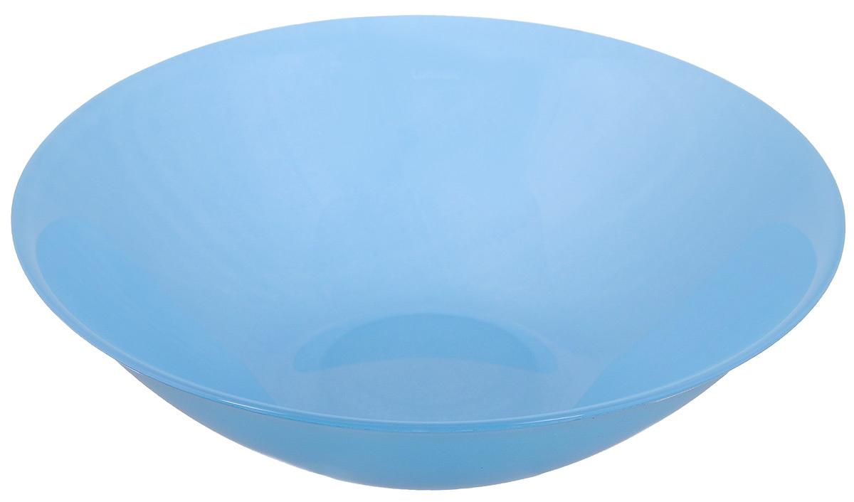 Миска Luminarc Arty Azur, цвет: голубой, диаметр 16,5 смH8739Миска Luminarc Arty Azur, изготовленная из высококачественного стекла, прекрасно впишется в интерьер вашей кухни и станет достойным дополнением к кухонному инвентарю. Миска оформлена в классическом стиле и имеет изысканный внешний вид. Такая миска не только украсит ваш кухонный стол и подчеркнет прекрасный вкус хозяйки, но и станет отличным подарком.Диаметр (по верхнему краю): 16,5 см.Высота стенки: 4,5 см.