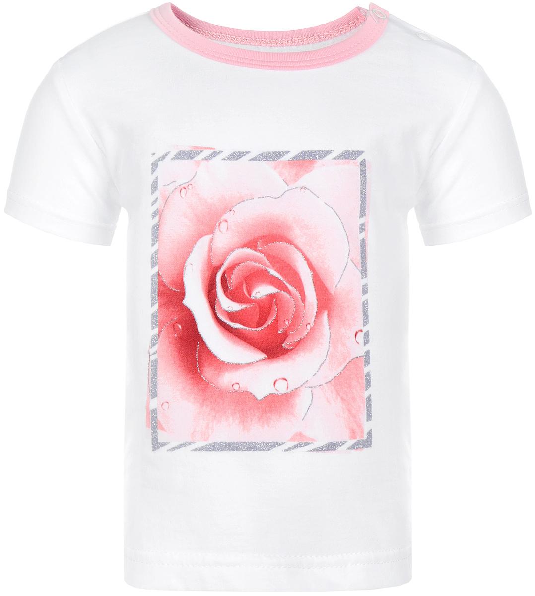 Футболка для девочки КотМарКот, цвет: белый, розовый. 14563. Размер 116, 6 лет14563Футболка для девочки КотМарКот послужит идеальным дополнением к гардеробу вашей доченьке. Изготовленная из натурального хлопка она не сковывает движения и позволяет коже дышать, не раздражает даже самую нежную и чувствительную кожу ребенка, обеспечивая ему наибольший комфорт.Футболка прямого кроя на плече застегивается на кнопки, которые позволяют без труда переодеть ребенка. Модель с круглым вырезом горловины оформлена изображением изящной розы в блестящей рамке. Вырез горловины обработан контрастной окантовкой.Современный дизайн и расцветка делают эту футболку стильным предметом детского гардероба. В ней ваш ребенок будет чувствовать себя уютно и комфортно и всегда будет в центре внимания.