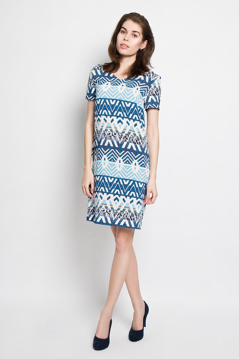 Платье Baon, цвет: голубой, молочный, черный. B456020. Размер S (44)B456020Яркое платье Baon идеально подойдет для вас и станет стильным дополнением к вашему гардеробу. Выполненное из мягкой вискозы, оно приятное на ощупь, не сковывает движений, хорошо пропускает воздух, обеспечивая комфорт.Модель с V-образным вырезом горловины и короткими рукавами застегивается сзади на небольшую молнию. Изделие оформлено орнаментом по всей поверхности.Такое платье поможет создать яркий и привлекательный образ, в нем вам будет удобно и комфортно.