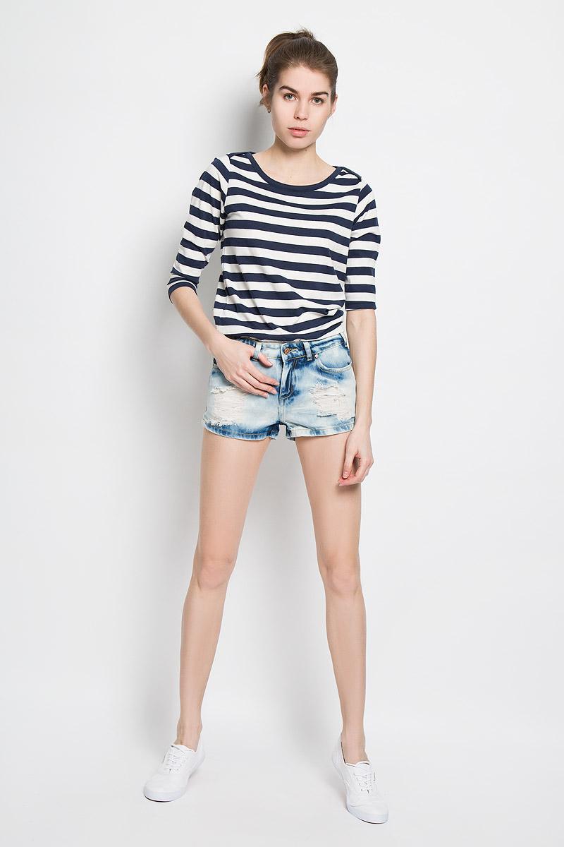 Шорты женские Sela Denim, цвет: голубой джинс. SHJ-135/522-6143. Размер 26 (42)SHJ-135/522-6143Стильные женские шорты Sela Denim станут отличным дополнением к вашему гардеробу. Изделие выполнено из натурального хлопка, не сковывает движения и позволяет коже дышать, обеспечивая наибольший комфорт.Модель средней посадки на поясе застегивается на металлическую пуговицу и имеет ширинку на застежке-молнии, а также шлевки для ремня. Спереди расположены два втачных кармана и один маленький накладной, а сзади - два накладных кармана. Изделие оформлено эффектом искусственного состаривания денима: прорези и потертости. Дизайн и расцветка делают эти шорты модным предметом женской одежды. Такая модель подарит вам комфорт в течение всего дня.