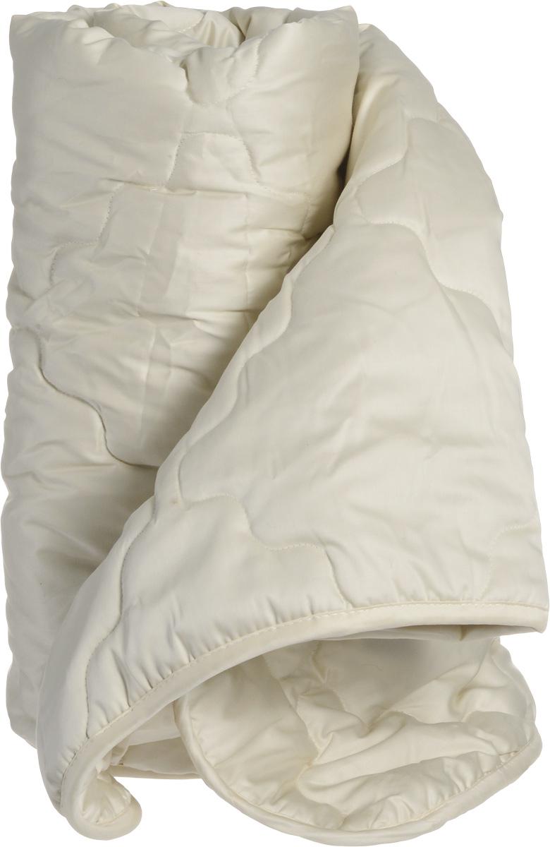 Натурес Одеяло детское Кораблик Пустыни 100 см х 150 смКП-О-2-3Одеяло с верблюжьей шерстью отлично подойдет для детей и подростков. В качестве наполнителя используется необыкновенно мягкий и теплый пух верблюжонка. Основной и главной его особенностью является то, что он предохраняет от перегревания в жару и одновременно защищает от переохлаждения в холодное время, т.е. помогает сохранять постоянную температуру тела малыша во время сна. Эта особенность тесно связана с климатическими условиями пустыни, в которых живет верблюжонок. Очень важно, что верблюжий пух не электризуется и снимает статическое напряжение, накопившееся за весь день, а также, он очень легкий и ничто не будет мешать спокойному отдыху малыша в кроватке.В чехле используется 100% натуральный хлопок: совершенно необыкновенный мако-сатин с золотистым отливом. В комплекте с одеялом имеется мягкая игрушка-подвеска медвежонок. Уход: стирка при 30° C.