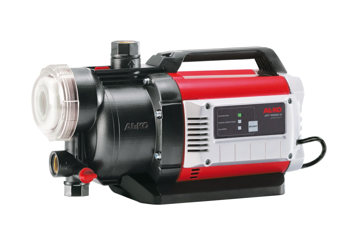Насос садовый AL-KO JET 4000-3 Premium112843Насос садовый AL-KO JET 4000-3 Premium обладает большим напором и высокой производительностью. Встроенный датчик сухого хода надежно защищает насос от возможных повреждений при отсутствии воды, а легко очищаемый предварительный фильтр - от загрязнений. За счет размещенного в фильтре обратного клапана садовый насос очень быстро всасывает воду, а его ввод в эксплуатацию очень прост. При необходимости наполнения или опорожнения насоса все винтовые крепления и защитное стекло фильтра можно моментально снять с помощью прилагаемого ключа. Вид привода: электрический. Мощность: 900 Вт. Глубина всасывания: 8 м. Высота подъема: 35 м. Максимальный объем подачи воды: 5500 л/час. Рабочий механизм насоса: трехступенчатый. Диаметр входного и выходного отверстия: 3,33 см.