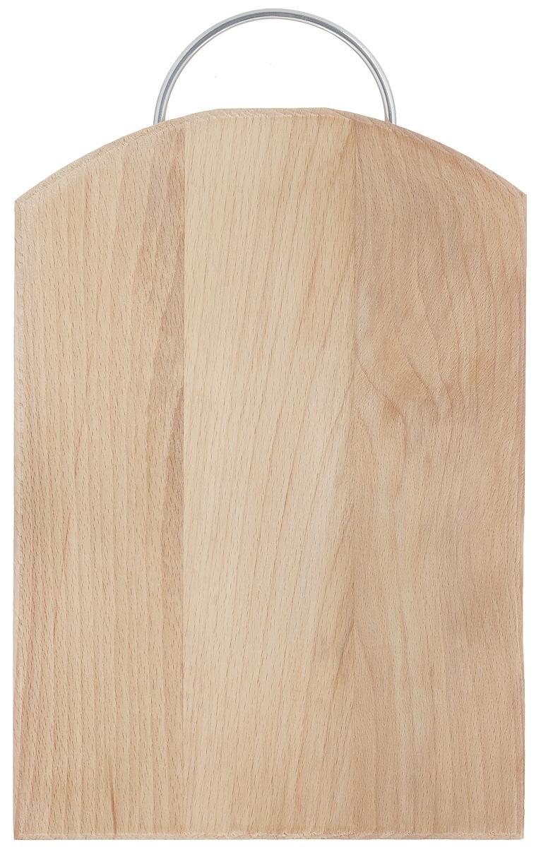 Доска разделочная Хозяюшка, с ручкой, цвет: бежевый, 30 х 22 см04-4Разделочная доска Хозяюшка изготовлена из бука. Бук наряду с дубом и тиком относится к ценным твердолиственным породам элитной группы категории А, класса люкс. По структуре древесины бук считается менее рыхлым, чем дуб, и более гибким, чем тик, при этом не уступает по прочности этим двум породам, а по красоте даже превосходит их. Бук отличают, прежде всего, уникальная текстура и естественный белый с желтовато-красным оттенком, со временем переходящим в розовато-коричневый, цвет древесины. Бук прекрасно поддается шлифовке и полировке. Бук боится влаги, но, как в случае со всеми без исключения досками из древесины, вопрос влагостойкости решается пропиткой дерева специальным минеральным или льняным маслом. Масло защищает доску от коробления, рассыхания и растрескивания. Именно поэтому все доски Хозяюшка обработаны льняным маслом и упакованы в пленку. Разделочная доска имеет форму полубочки, оснащена металлической ручкой. Нельзя мыть в посудомоечной машине. Для продления срока эксплуатации рекомендуется периодически смазывать доску растительным маслом. Длина доски (с ручкой): 34 см.