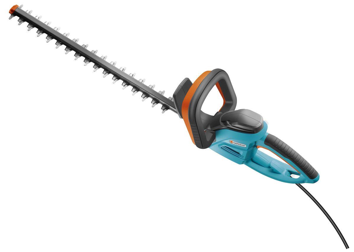 """Легкий электрический кусторез Gardena """"EasyCut 48 Plus"""" прекрасно подходят для удобной стрижки небольших изгородей. Благодаря рукоятке эргономичной формы кусторез удобно лежит в руке. Большая кнопка запуска позволяет легко и безопасно включить инструмент в любой ситуации. Оптимизированная геометрия лезвий гарантирует эффективную, быструю и чистую обрезку. Кроме того, она обеспечивает плавность работы при низком уровне вибрации и дает возможность прилагать меньше усилий. Электрический кусторез Gardena """"EasyCut 48 Plus"""" оснащен мощным высокопроизводительным двигателем для энергичной и продолжительной обрезки в один прием - без застреваний и остановокЩиток на конце лезвия оберегает пользователя от отдачи при обрезке близко к поверхности земли и защищает лезвие от повреждений. Механизм разгрузки натяжения кабеля предотвращает случайное отсоединение удлинителя. Длина ножей - 48 см. Расстояние между лезвиями - 27 мм. Масса кустореза - 3,5 кг. Гарантированная мощность звука, дБ(А) - 99 дБ (A). Звуковое давление возле уха оператора - 75 дБ (A). Вибрация (ah) - 3,2 м/с2."""