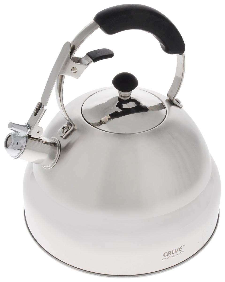 Чайник Calve, со свистком, 5 лCL-1469Чайник Calve изготовлен из высококачественной нержавеющей стали. Нержавеющая сталь обладает высокой устойчивостью к коррозии, не вступает в реакцию с холодными и горячими продуктами и полностью сохраняет их вкусовые качества. Термоаккумулирующее дно способствует высокой теплопроводности и равномерному распределению тепла. Чайник оснащен бакелитовой удобной ручкой, с кнопкой-закрепителем положения носика. Носик чайника имеет откидной свисток, звуковой сигнал которого подскажет, когда закипит вода.Подходит для всех типов плит, включая индукционные. Можно мыть в посудомоечной машине.Диаметр по верхнему краю: 10 см.Диаметр дна: 25 см.Высота ручки: 12 см.