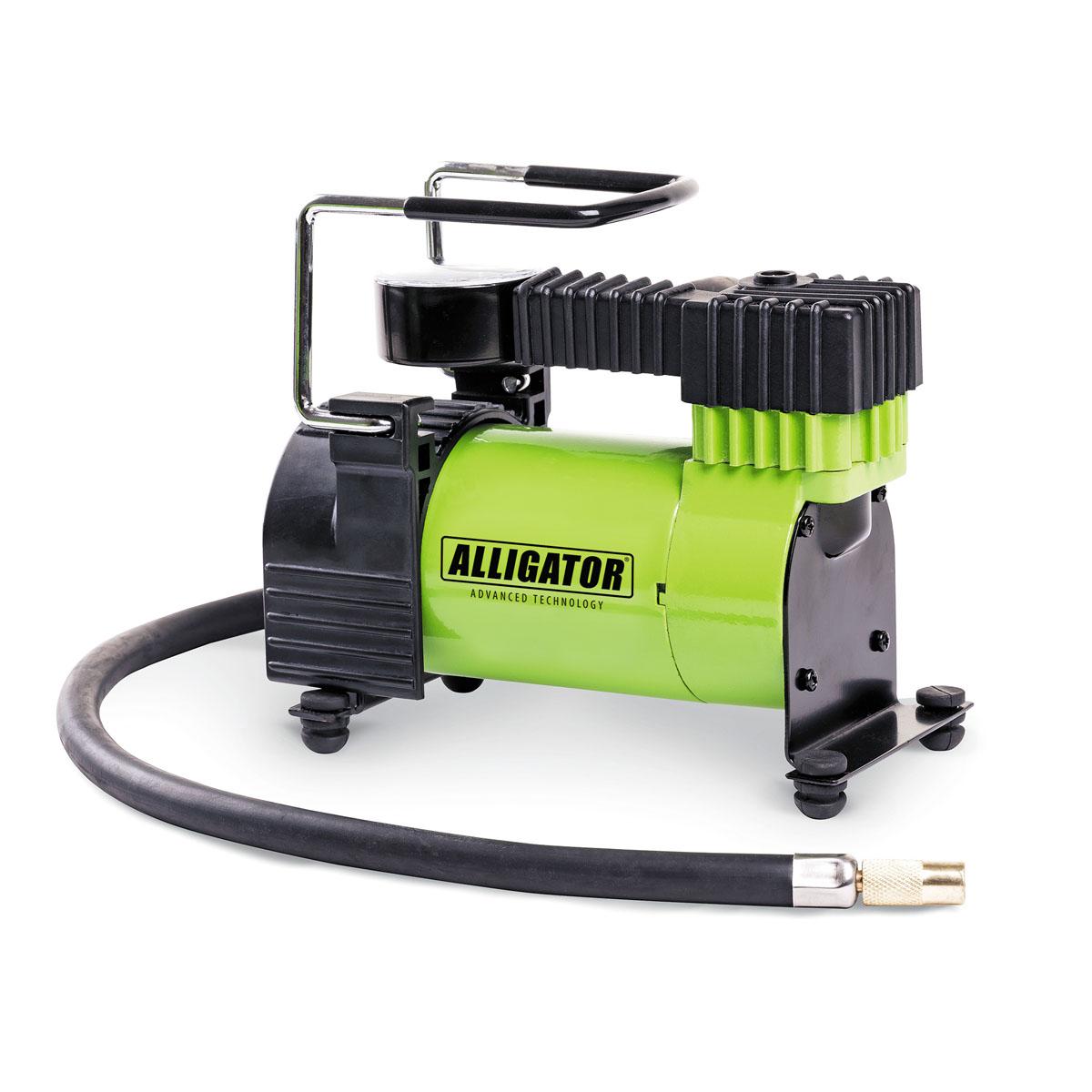 Компрессор автомобильный Автопрофи Аллигатор, 12В, 105 Вт. AL-300AL-300Автомобильный компрессор Автопрофи Аллигатор выполнен из высококачественного металла. В комплекте переходники для накачки надувных изделий. Питание осуществляется от бортовой сети 12В. Компрессор может непрерывно работать в течение 25 минут.В комплекте сумка для удобной переноски и хранения. Напряжение: 12В. Мощность: 105 Вт. Производительность: 28 л/мин. Максимальное давление 10 АТМ. Длина кабеля питания: 3 м. Длина шланга: 70 см. Время непрерывной работы: 25 минут. Диаметр поршня: 30 мм.Рабочая температура: от -20°С до +50°С.Максимальный ток: 14 А.
