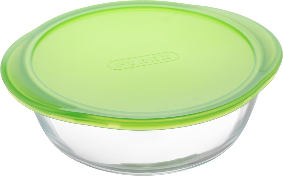 """Круглая форма для запекания Pyrex """"Cook & Store"""" изготовлена из жаропрочного стекла, которое выдерживает температуру до +300°С. Форма предназначена для приготовления горячих блюд и оснащена пластиковой крышкой для хранения и транспортировки пищи. Материал изделия гигиеничен, прост в уходе и обладает высокой степенью прочности. Форма идеально подходит для использования в духовках, микроволновых печах, холодильниках и морозильных камерах. Можно мыть в посудомоечной машине.Ширина формы (с учетом ручек): 26 см.Диаметр формы: 23 см. Высота стенки формы: 8 см."""