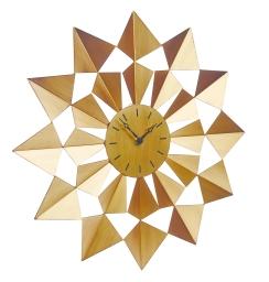 Часы настенные Gardman Arabian Star Dia17619Часы настенные Gardman Arabian Star Dia в форме звезды выполнены из металла с покрытием под бронзу. Часы снабжены надежным кварцевым механизмом. Имеется 2 стрелки - часовая и минутная. Индикация отметками. Такие часы станут оригинальным украшением интерьера. Работают от одной батарейки типа АА (в комплект не входит).