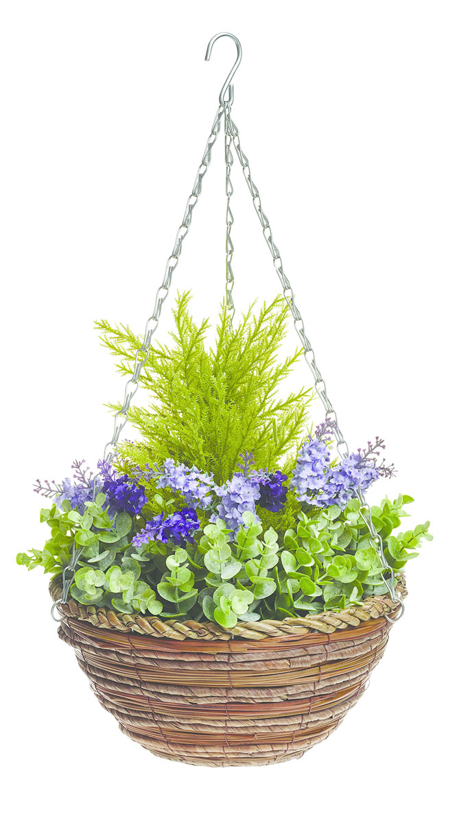 Корзина подвесная Gardman, с искусственными растениями (лаванда), 30 см02834Круглая плетеная корзина Gardman дополнена оригинальной композицией из искусственных растений - хвойные, папоротник и лаванда. Растения, выполненные из пластика, выглядят очень реалистично и устойчивы к любым погодным воздействиям. Кашпо подвешивается на стену с помощью металлической цепи, которая входит в комплект.Кашпо часто становятся последним штрихом, который совершенно изменяет интерьер помещения или ландшафтный дизайн сада. Благодаря такому кашпо вы сможете украсить вашу комнату, офис или сад.