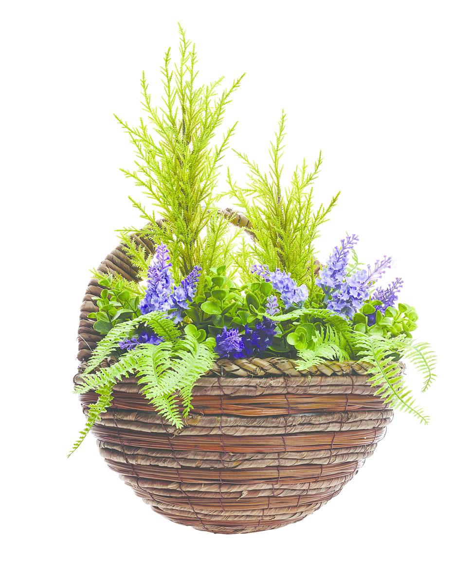 """Кашпо настенное """"Gardman"""" представляет собой подвесную плетеную корзинку с искусственными хвойными растениями, папоротником и лавандой. Растения, выполненные из пластика, выглядят очень реалистично и устойчивы к любым погодным воздействиям. Кашпо можно подвесить на стену за ручку. Кашпо часто становятся последним штрихом, который совершенно изменяет интерьер помещения или ландшафтный дизайн сада. Благодаря такому кашпо вы сможете украсить вашу комнату, офис или сад."""