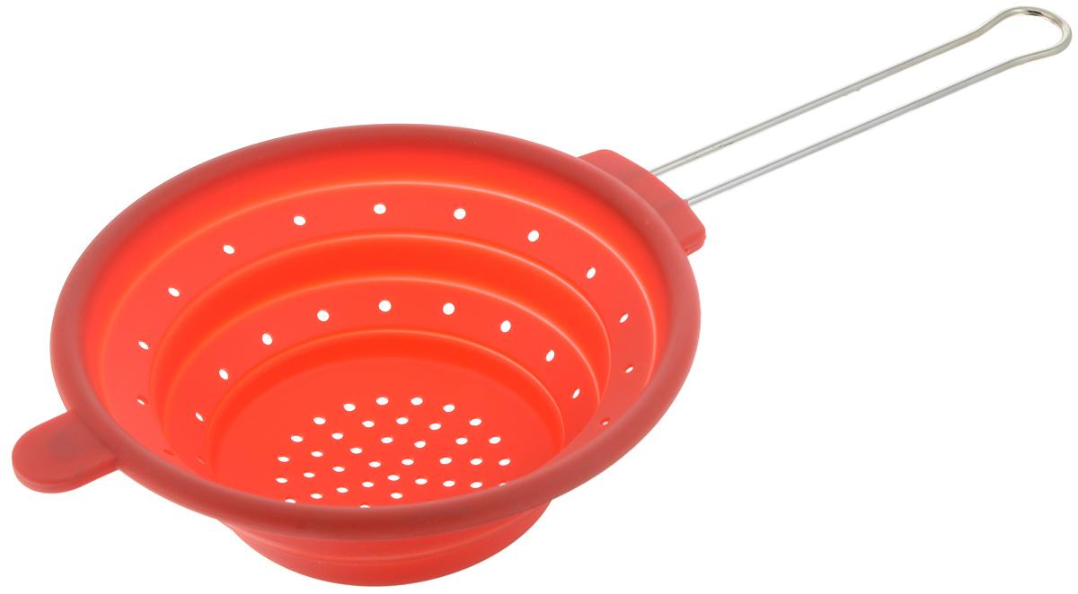Дуршлаг Mayer & Boch, силиконовый, складной, цвет: красный, диаметр 20 см4433-1Дуршлаг Mayer & Boch изготовлен из качественного пищевого силикона и оснащен металлической ручкой. Благодаря гибкости материала дуршлаг удобно складывается и занимает минимум места при хранении. В таком дуршлаге удобно промывать ягоды, фрукты, овощи, а также процеживать макароны.Дуршлаг является необходимым аксессуаром для каждой кухни. Он станет полезным и практичным приобретением.Диаметр дуршлага: 20 см.Длина (с учетом ручки): 40 см.Максимальная высота стенки: 7 см.Минимальная высота стенки: 1,5 см.