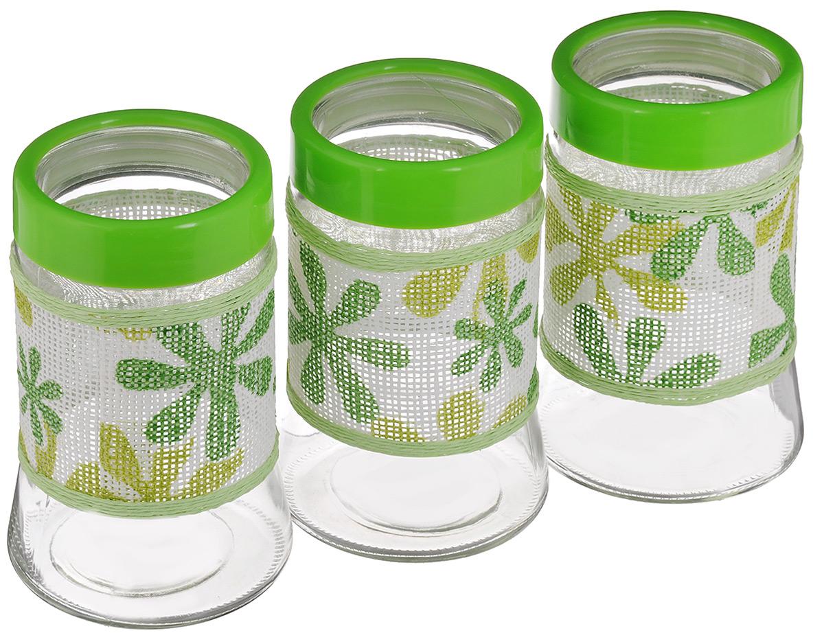 Набор банок для сыпучих продуктов Mayer & Boch, 3 шт. 21616-121616-1Набор Mayer & Boch состоит из трех банок одинакового объема, предназначенных для хранения сыпучих продуктов. Банки выполнены из высококачественного стекла и декорированы оригинальнойвставкой, сплетенной из бумаги. Прозрачные стенки позволяют видеть содержимое. Пластиковые крышки плотно и герметично закрываются, что позволяет дольше хранить продукты. Банки прекрасно подходят для круп, орехов, сухофруктов, чая, кофе, сахара и других сыпучих продуктов. Оригинальный необычный дизайн стильно дополнит интерьер кухни. Такой набор станет желанным подарком для любой хозяйки. Размер банок: 11,5 х 11,5 х 18 см.