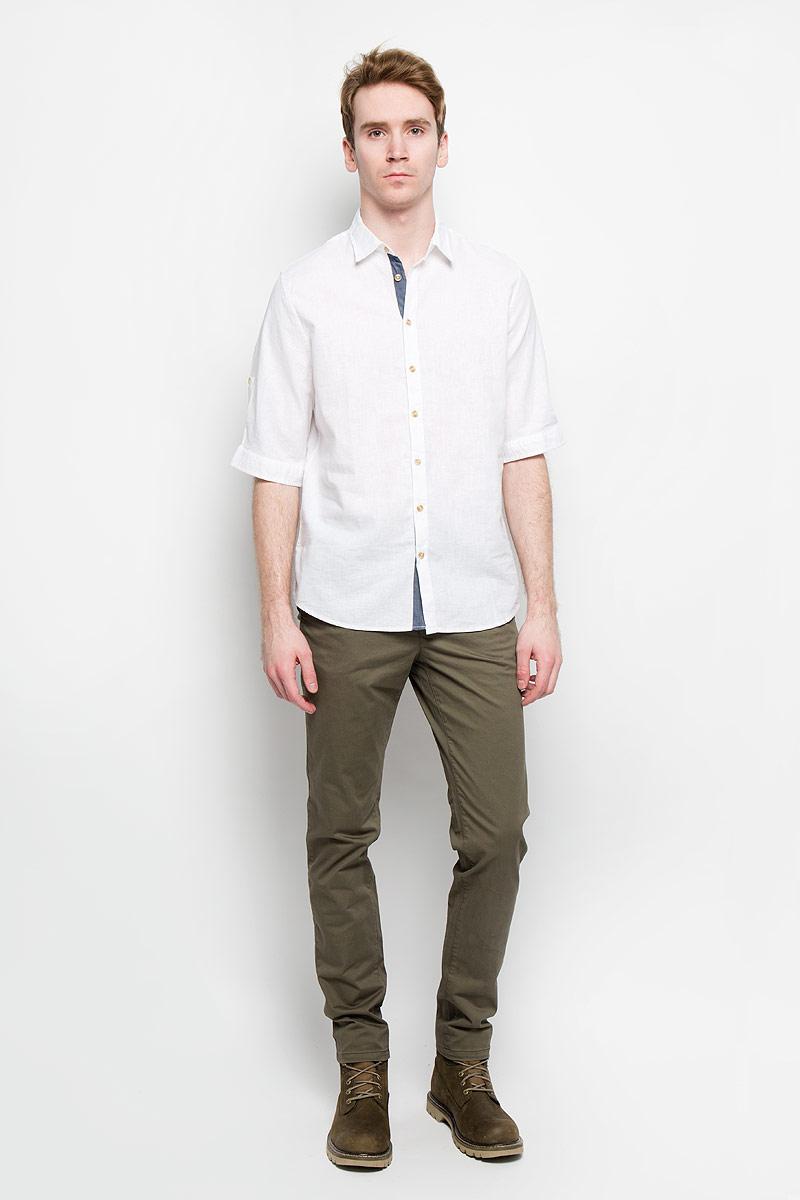 Рубашка мужская Sela, цвет: белый. Hs-212/670-6123. Размер 41 (48)Hs-212/670-6123Стильная мужская рубашка Sela, выполненная из хлопка и льна, мягкая и приятная на ощупь, не сковывает движения и позволяет коже дышать, обеспечивая комфорт. Модель с отложным воротником и короткими рукавами застегивается на пластиковые пуговицы по всей длине. Низ рукава обработан манжетами, которые застегиваются на пуговицы. Эта модная и удобная рубашка послужит отличным дополнением к вашему гардеробу.