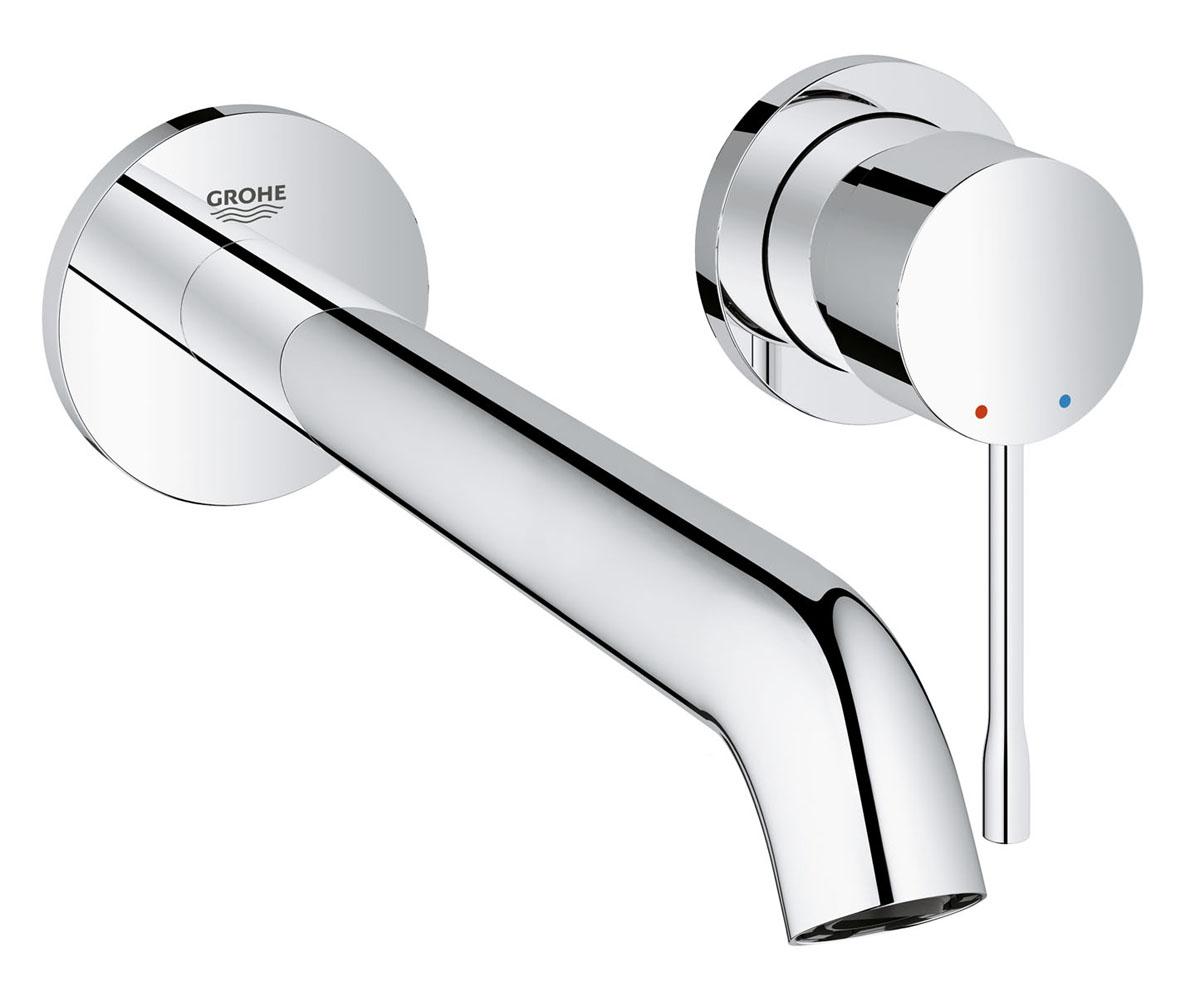 Смеситель для раковины Grohe Essence+. 1996700119967001Этот смеситель для ванной комнаты Grohe Essence+ на 2 отверстия комплектуется отдельным изливом длиной 320 мм, который обеспечивает максимальный комфорт при повседневных гигиенических процедурах. Подвижный наконечник излива AquaGuide позволяет точно регулировать направление струи воды. Даже при максимальном напоре расход воды у этого смесителя не превышает 5,7 литра в минуту за счет механизма EcoJoy. Благодаря цилиндрическим формам и сияющему хромированному покрытию StarLight, этот однорычажный смеситель станет элегантным дополнением к оснащению вашей ванной комнаты. Установка данного смесителя возможна только в комбинации со встраиваемым блоком GROHE, который необходимо приобрести отдельно. Данный блок оснащен картриджем с технологией SilkMove, который обеспечивает плавность и легкость регулировки температуры и напора воды.