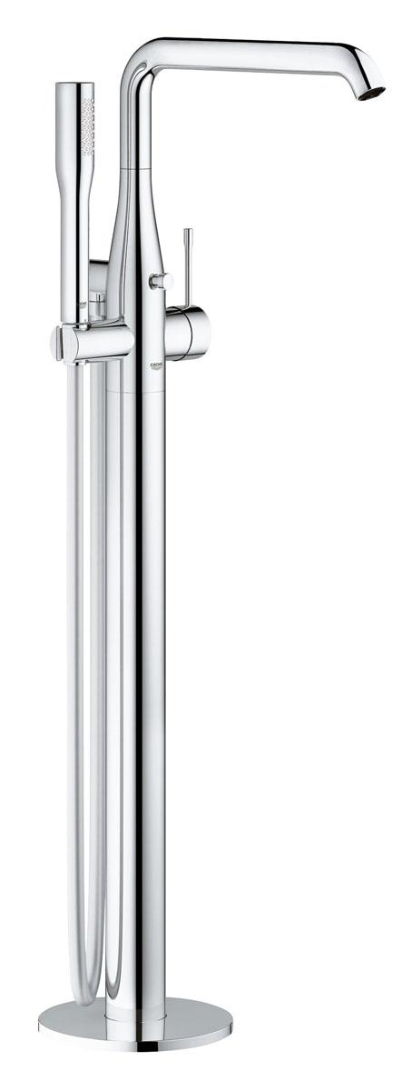 Смеситель для ванны Grohe Essence+, свободностоящий, с душевым гарнитуром23491001Смеситель для ванны Grohe Essence+ имеет напольный монтаж и представляет собой идеального компаньона для отдельно стоящей ванны. Он отличается цилиндрическими формами, характерными для всей серии Grohe Essence, и снабжен сияющим хромированным покрытием Grohe StarLight. В комплект данного смесителя также входит настенное крепление для ручного душа, ручной душ Grohe Euphoria Cosmopolitan Stick и душевой шланг Grohe Silverflex длиной 1250 мм. Благодаря технологии Grohe SilkMove, которая применяется в его конструкции, данный смеситель позволяет плавно и без усилий регулировать температуру и напор воды. Радиус вращения излива регулируется в диапазоне до 360°, а форсунки SpeedClean легко очищаются от известковых отложений. Подвижный наконечник излива AquaGuide позволяет точно регулировать направление струи воды.