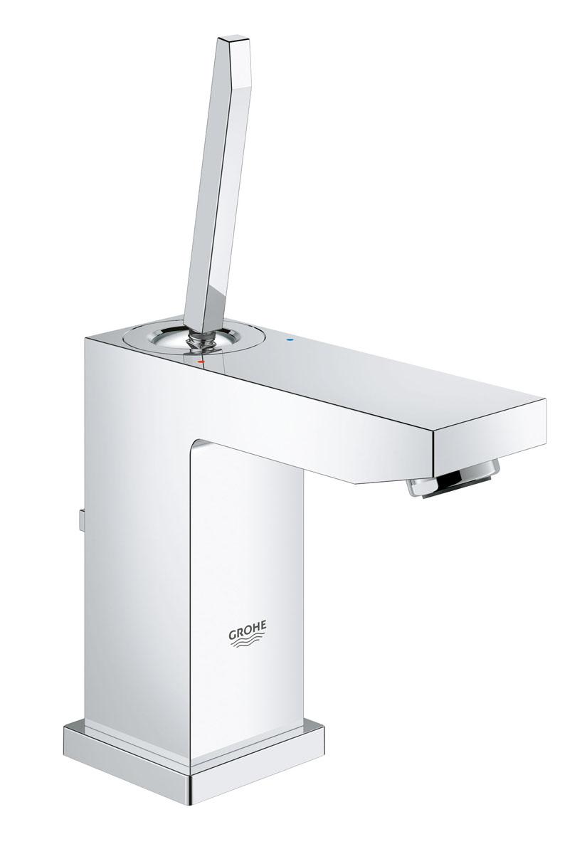 Смеситель для раковины Grohe Eurocube Joy, с донным клапаном, низкий изливDISSB00i01Смеситель для раковины Grohe Eurocube Joy идеально подойдет для тех, кто любитсдержанный исовременный дизайн ванной комнаты. Этот смеситель также содержит в себе уникальныетехнологии Grohe. Многослойное, устойчивое к царапинам хромовое покрытие StarLight®сохранит свой блеск на долгие годы.Новая технология FeatherControl для картриджейсмесителей с джойстиком создает плавную и без усилий возможность управления рычагом. Этоозначает, что вы можете точно контролировать расход и температуру воды только легкимкасанием вашего пальца!Монтаж осуществляется очень быстро с инновационной системойQuickFix® Plus. Этот впечатляющий смеситель прекрасно дополняет другие продукты вколлекции, такие как однорычажный смеситель для биде Eurocube Joy.