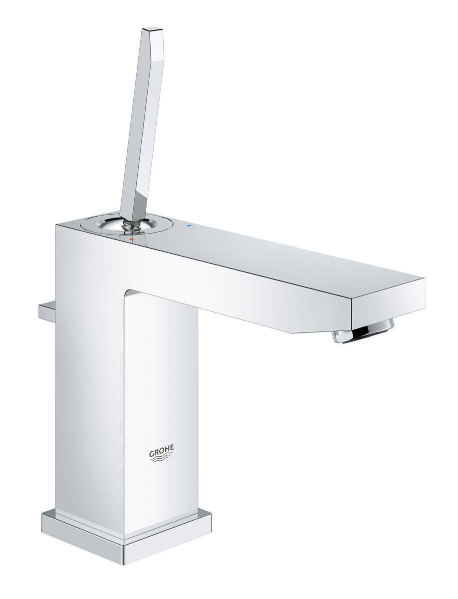 Смеситель для раковины Grohe Eurocube Joy, с донным клапаном, средний излив23657000Смеситель для раковины Grohe Eurocube Joy идеально подойдет для тех, кто любит сдержанный и современный дизайн ванной комнаты. Этот смеситель также содержит в себе уникальные технологии GROHE. Многослойное, устойчивое к царапинам хромовое покрытие StarLight® сохранит свой блеск на долгие годы. Новая технология FeatherControl для картриджей смесителей с джойстиком создает плавную и без усилий возможность управления рычагом. Это означает, что вы можете точно контролировать расход и температуру воды только легким касанием вашего пальца! Монтаж осуществляется очень быстро с инновационной системой QuickFix® Plus. Этот впечатляющий смеситель прекрасно дополняет другие продукты в коллекции, такие как однорычажный смеситель для биде Eurocube Joy.