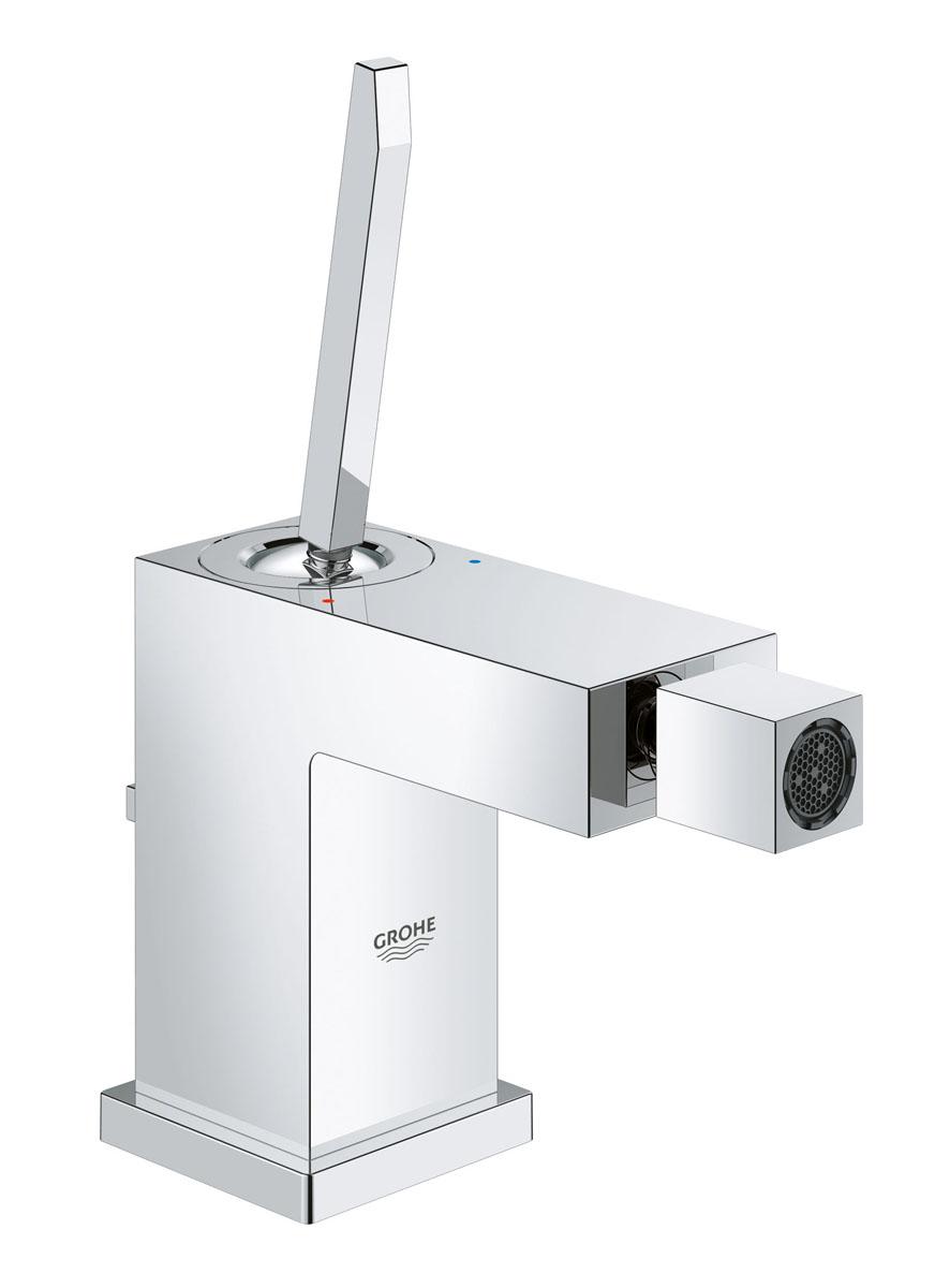 Смеситель для биде Grohe Eurocube Joy, с донным клапаном23664000Однорычажный смеситель для биде Grohe Eurocube Joy идеально подойдет для тех, кто любит сдержанный и современный дизайн ванной комнаты. Этот смеситель также содержит в себе уникальные технологии Grohe. Многослойное, устойчивое к царапинам хромовое покрытие StarLight® сохранит свой блеск на долгие годы. Новая технология FeatherControl для картриджей смесителей с джойстиком создает плавную и без усилий возможность управления рычагом. Это означает, что вы можете точно контролировать расход и температуру воды только легким касанием вашего пальца! Монтаж осуществляется очень быстро с инновационной системой QuickFix® Plus, которая сокращает время монтажа до 50%. Этот впечатляющий смеситель имеет донный клапан и прекрасно дополняет другие продукты в коллекции, такие как однорычажный смеситель для ванны Eurocube Joy.Диаметр керамического картриджа: 28 мм.Рекомендованное минимальное давление: 1 бар