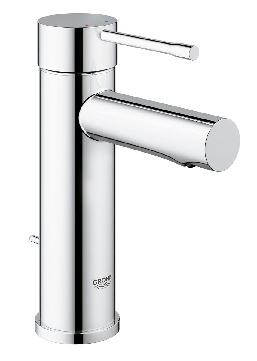 Смеситель для раковины Grohe Essence+, с донным клапаном и низким изливом. 3289800132898001Благодаря своему элегантному дизайну, основанному на цилиндрических формах, и глянцевому хромированному покрытию StarLight, смеситель для раковины Grohe Essence+ станет центром внимания в интерьере вашей ванной комнаты. Его излив стандартной высоты изящно возвышается над раковиной, оставляя под собой достаточно пространства для комфортного умывания и чистки зубов. Плавность и легкость регулировки температуры и напора воды обеспечивается картриджем с технологией SilkMove. Технология EcoJoy не позволяет расходу воды превысить 5,7 литра в минуту даже при максимальном напоре. Если вам потребуется заполнить раковину водой, вы сможете с легкостью закрыть сливное отверстие с помощью встроенного в смеситель подъемного штока. Комплектация данного однорычажного смесителя отличается сокращенным количеством компонентов, что упрощает его монтаж с помощью системы QuickFix Plus.