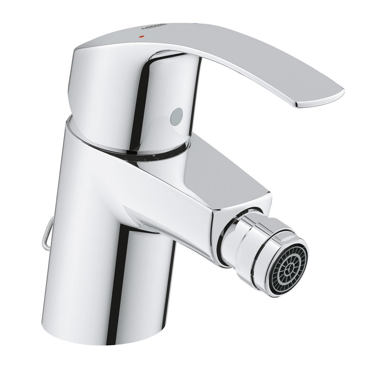 Смеситель для биде Grohe Eurosmart New, с цепочкой32927002Смеситель для биде Grohe Eurosmart New, выполненный из качественных материалов, отличается приятной легкостью в управлении. Удобный вращающийся аэратор позволяет настраивать направление потока воды, а встроенный механизм Grohe EcoJoy обеспечит экономию воды, достигающую 50% по отношению к стандартным параметрам расхода. Пробка для сливного отверстия прикреплена к цепочке с возвратным механизмом и в убранном виде хранится незаметно позади смесителя. Благодаря привлекательному дизайну и сияющему хромированному покрытию Grohe StarLight, этот смеситель станет эффектным дополнением к интерьеру вашей ванной комнаты. Система упрощенного монтажа делает процесс установки смесителя простым и понятным.В комплекте поставляется гибкая подводка.Керамический картридж: 35 мм.