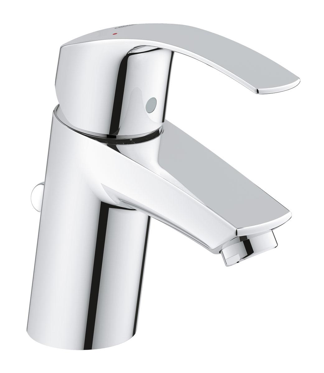 """Благодаря технологии SilkMove, которая применяется в его конструкции, рычаг  смесителя Grohe """"Eurosmart New"""" для ванной комнаты отличается чрезвычайно  плавным ходом. Рычаг имеет оригинальную форму с плавным изгибом кверху,  которая удачно вписывается в гармоничные пропорции смесителя и обеспечивает  достаточно пространства для мытья рук - даже при стандартной высоте излива.  Механизм EcoJoy обеспечивает экономию воды, достигающую 50%, чем  способствует сбережению природных ресурсов и ваших средств. Благодаря  хромированному покрытию StarLight, поверхность смесителя отличается  великолепным блеском, гладкостью и простотой в уходе, сохраняя свой  первозданный сияющий вид даже после многих лет эксплуатации. Смеситель  комплектуется сливным клапаном со штоковым подъемным механизмом. Система  упрощенного монтажа позволит вам установить данный смеситель за  минимальное время."""