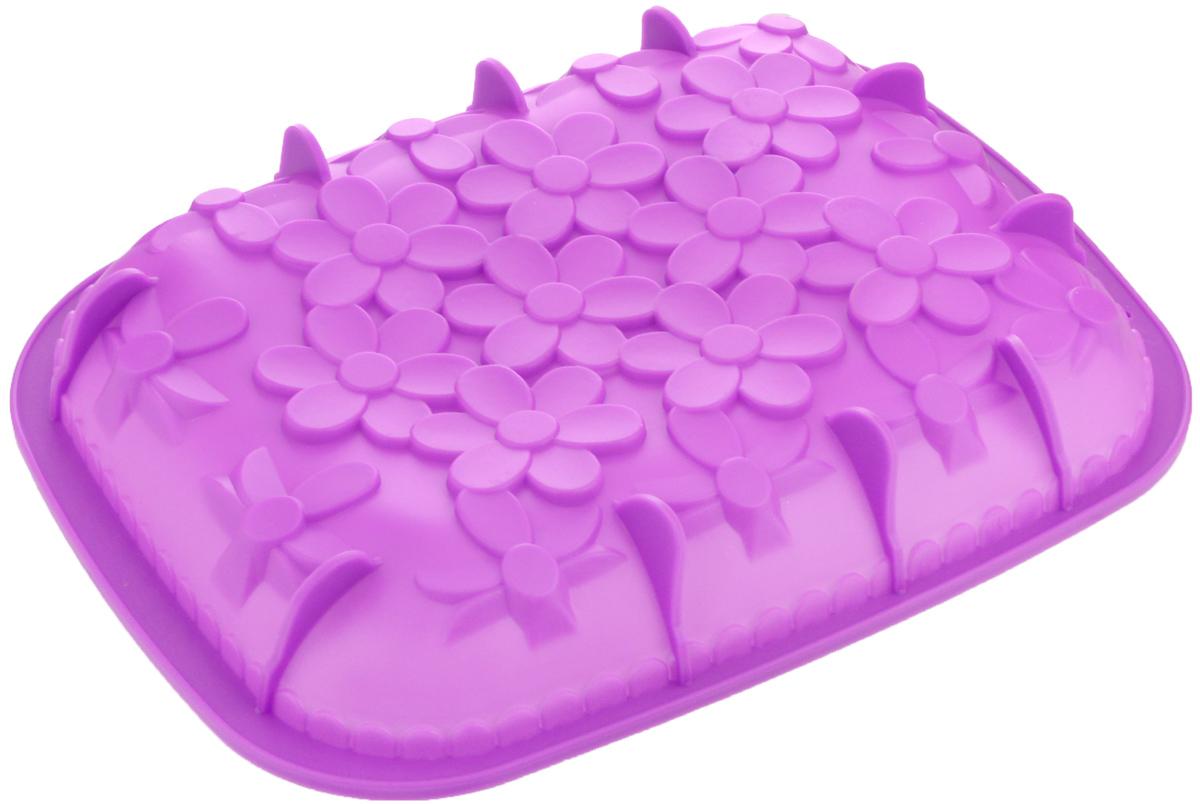 Форма для выпечки Mayer & Boch, силиконовая, цвет: фиолетовый, 25,5 х 31 х 4,5 см24622_фиолетовыйФорма для выпечки Mayer & Boch изготовлена из высококачественного силикона. Дно изделия декорировано цветами и имеет силиконовые ножки. Стенки формы легко гнутся, что позволяет легко достать готовую выпечку и сохранить аккуратный внешний вид блюда.Силикон - материал, который выдерживает температуру от -40°С до +230°С. Изделия из силикона очень удобны виспользовании: пища в них не пригорает и не прилипает к стенкам, форма легко моется. Приготовленное блюдоможно очень просто вытащить, просто перевернув форму, при этом внешний вид блюда не нарушится. Изделиеобладает эластичными свойствами: складывается без изломов, восстанавливает свою первоначальную форму.Порадуйте своих родных и близких любимой выпечкой в необычном исполнении. Подходит для приготовления в микроволновой печи и духовом шкафу при нагревании до +230°С; длязамораживания до -40°.Внутренний размер формы: 23,5 х 29,5 х 4 см.