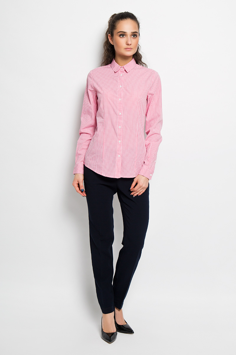 Рубашка женская Top Secret, цвет: розовый, белый. SKL1967BI. Размер 34 (40)SKL1967BIЖенская рубашка Top Secret, выполненная из 100% хлопка, станет отличным дополнением к вашему гардеробу. Материал очень мягкий и приятный на ощупь, не сковывает движения и хорошо пропускает воздух. Рубашка с отложным воротником и длинными рукавами застегивается на пуговицы. Манжеты рукавов также застегиваются на пуговицы. Изделие оформлено рисунком в мелкую клетку по всей поверхности. Современный дизайн и расцветка делают эту рубашку модным и стильным предметом женской одежды, в ней вы всегда будете чувствовать себя уютно и комфортно.