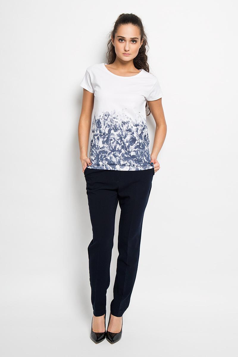 Футболка женская Top Secret, цвет: белый, темно-синий. SPO2665BI. Размер 34 (40)SPO2665BIСтильная женская футболка Top Secret, выполненная из 100% хлопка, подчеркнет ваш изысканный вкус.Модель свободного кроя c короткими рукавами и круглым вырезом горловины - идеальный вариант для создания образа в стиле Casual. Футболка оформлена оригинальным цветочным принтом. Такая модель подарит вам комфорт в течение всего дня и послужит замечательным дополнением к вашему гардеробу.