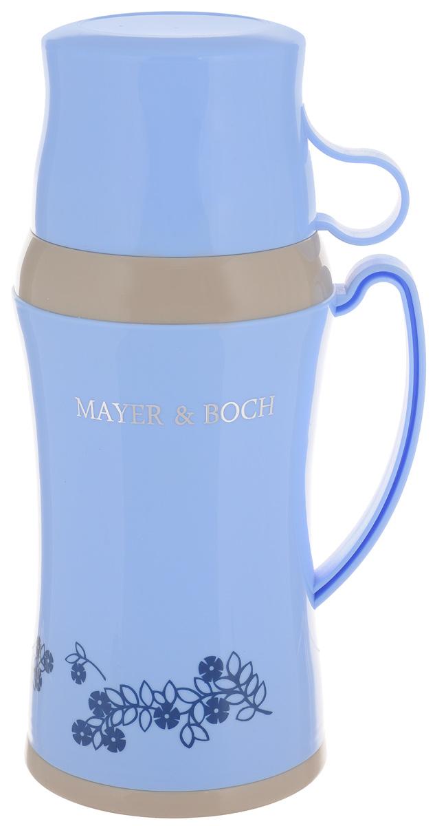 Термос Mayer & Boch, с двумя чашками, цвет: голубой, 600 мл22599_голубойТермос Mayer & Boch со стеклянной колбой в пластиковом корпусе является одним из востребованных в России. Его температурная характеристика ни в чем не уступает термосам со стальными колбами, но благодаря свойствам стекла этот термос может быть использован для заваривания напитков с устойчивыми ароматами. В комплекте с термосом - две чашки разных размеров. Завинчивающаяся герметичная крышка предохранит от проливаний. Этот термос станет не только надежным другом в походе, но и отличным украшением вашей кухни.Высота термоса (без учета крышки): 24,5 см.Диаметр основания: 10,5 см.Диаметр большой чашки: 9,5 см.Ширина с учетом ручки: 12 см.Диаметр маленькой чашки: 8,5 см.Высота маленькой чашки: 5 см.