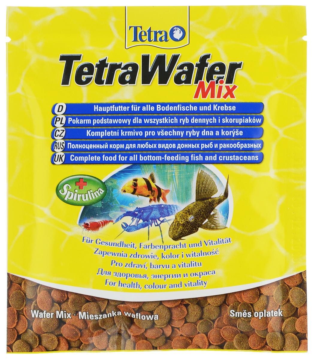 Корм Tetra TetraWafer Mix для всех видов донных рыб и ракообразных, пластинки, 15 г134461Корм Tetra TetraWafer Mix - это высококачественная смесь основного корма и креветок для кормления травоядных, хищных и донных рыб. Идеально подходит для кормления ракообразных (креветок, крабов, раков), сомовых и других придонных обитателей. Для травоядных донных рыб в аквариуме идеально подходят зеленые пластинки из водорослей спирулины, а коричневые - идеальны для хищников. Корм не мутит и не загрязняет воду благодаря плотному составу. Форма пластинок соответствует свойствам природного корма, позволяет кормить рыб разных размеров. Множество отборных высококачественных компонентов, витаминов, минералов и аминокислот обеспечивают питательными и энергетическими потребностями даже наиболее требовательных видов аквариумных рыб. Рекомендации оп кормлению: кормить несколько раз в день маленькими порциями. Состав: рыба и побочные рыбные продукты, экстракты растительного белка, зерновые культуры, растительные продукты, моллюски и раки, дрожжи, водоросли (спирулина 1,5%), минеральные вещества, масла и жиры.Аналитические компоненты: сырой белок - 45%, сырые масла и жиры - 6%, сырая клетчатка - 2%, содержание влаги - 9%. Добавки: витамины, провитамины и химические вещества с аналогичным воздействием. Товар сертифицирован.