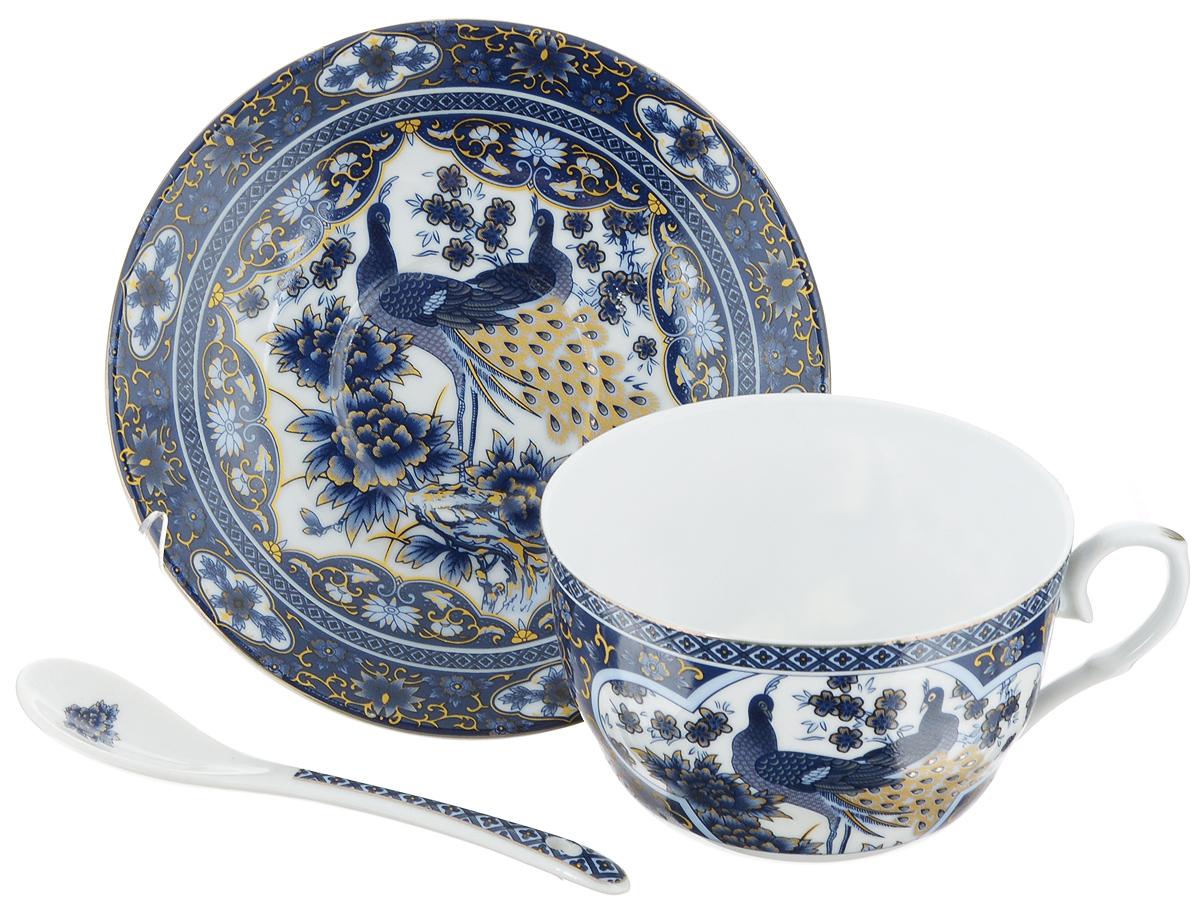 Чайная пара Elan Gallery Синий павлин, 3 предмета730489Чайная пара Elan Gallery Синий павлин состоит из чашки, ложки и блюдца, изготовленных из керамики высшего качества, отличающегося необыкновенной прочностью и небольшим весом. Яркий дизайн, несомненно, придется вам по вкусу.Чайная пара Elan Gallery Синий павлин украсит ваш кухонный стол, а также станет замечательным подарком к любому празднику.Не рекомендуется применять абразивные моющие средства. Не использовать в микроволновой печи.Объем чашки: 250 мл.Диаметр чашки (по верхнему краю): 9,5 см.Высота чашки: 6 см.Диаметр блюдца (по верхнему краю): 14 см.Высота блюдца: 2 см.Длина ложки: 12,5 см.