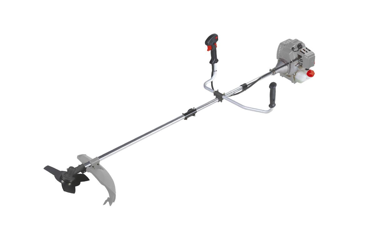 Триммер бензиновый Ставр ТБ-1400ЛРст1400лрБензиновый триммер Ставр ТБ-1400ЛР - легкий инструмент, при помощи которого можно подравнять траву на приусадебном участке, возле садового домика. В качестве режущего элемента используется нейлоновая леска или нож.Объем двигателя: 42,7 см3.Мощность: 1,4 кВт.Ширина скашивания: 44 см. Количество оборотов (леска): 9000 об/мин.Количество оборотов (нож): 9500 об/мин.Тип штанги: разборная.Топливная смесь: бензин АИ-92+Масло 25:1.