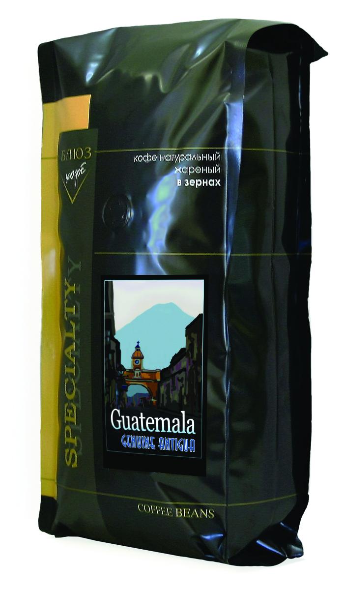 Блюз Гватемала Антигуа SHB кофе в зернах, 1 кг4600696010107Блюз Гватемала Антигуа SHB - центральноамериканский сорт арабики. Выращивается на склонах гор на высоте более 1200 метров над уровнем моря. Имеет ярко выраженный острый вкус, высокую кислотность и особенный, с привкусом дыма, аромат. Настой насыщенный, с долгим мягким послевкусием. Букет богатый, комплексный, с фруктовыми, цветочными и дымными оттенками.Палящее солнце Гватемалы придало сорту Антигуа жгучий и воинственный темперамент диких индейских племен. В кофе они черпали силы, яростно противостоя конкистадорам. Гватемала в переводе означает плодородная земля, и действительно, почва там очень мягкая, а кофе Антигуа SHG - сорт с зернами наивысшей твердости.