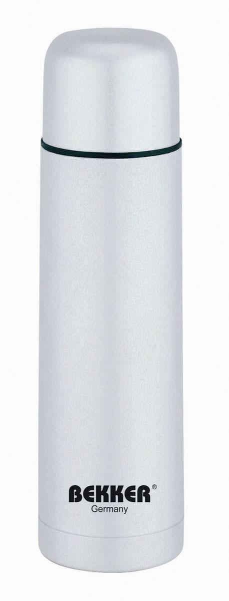 Термос Bekker, 0,5 л, цвет: серый. BK-4036BK-4036Термос Bekker изготовлен из высококачественной нержавеющей стали 18/8. Двойные стенки обеспечивают долгое сохранение температуры напитка (6 часов - 71°С, 12 часов - 60°С, до 24 часов - 41°С). Подходит для горячих и холодных напитков. Благодаря вакуумной кнопке внутри создается абсолютная герметичность, что предотвращает проливание напитков. Крышка плотно закручивается. Верхнюю крышку можно использовать в качестве чаши для напитка. В комплекте поставляется чехол для термоса из кожзама черного цвета, закрывается на молнию. Чехол также оснащен ручками. Стильный функциональный термос будет незаменим в дороге, на пикнике. Его можно взять с собой куда угодно, и вы всегда сможете наслаждаться горячим домашним напитком. Характеристики: Материал: нержавеющая сталь 18/8, пластик. Объем: 0,5 л. Диаметр термоса: 7 см. Высота: 25 см. Размер упаковки: 7,5 см х 7,5 см х 27 см.
