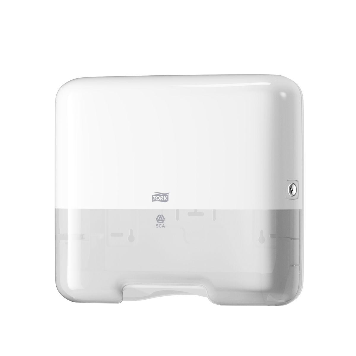 Держатель для бумажных полотенец Tork Cистема H3, цвет: белый553100Диспенсер для бумажных полотенец Tork - миниатюрный держатель для полотенец. Диспенсер изготовлен с применением экологичных технологий.Материал корпуса - белый ударопрочный пластик. Вмещает 1,5 пачки полотенец и подходит для помещений с малой проходимостью. Открывается единым металлическим ключом.В комплекте поставляются крепежные элементы и лекало для установки. Оборудован окном для контроля количества оставшихся полотенец. Диспенсер открывается при помощи ключа.
