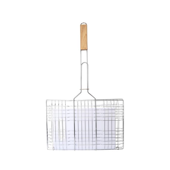 """Набор """"Village People"""" состоит из универсальной решетки для барбекю и разделочной доски. Решетка выполнена из высококачественного металла, ручка из дерева. Изделие имеет антипригарное покрытие. Разделочная доска выполнена из пластика."""