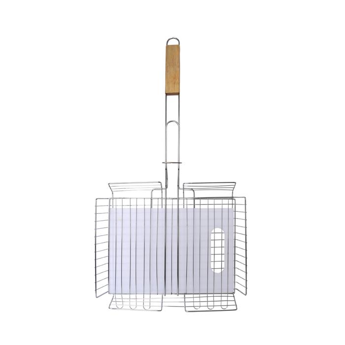 """Набор """"Village people"""" состоит из универсальной решетки для барбекю и разделочной доски. Решетка выполнена из высококачественного  металла, ручка - из дерева. Изделие имеет антипригарное покрытие. Разделочная доска выполнена из пластика."""