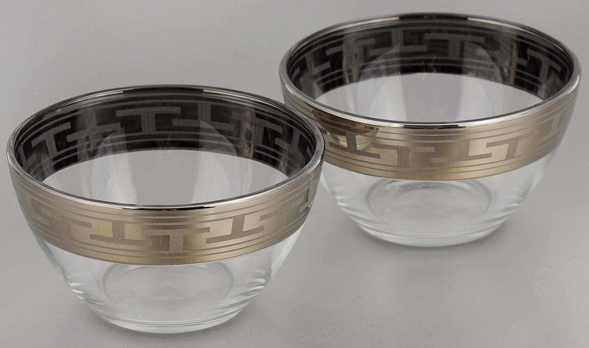 Набор салатников Гусь-Хрустальный Греческий узор, диаметр 11 см, 2 штGE01-1322Набор Гусь-Хрустальный Греческий узор, выполненный из высококачественного натрий-кальций-силикатного стекла, состоит из 2 глубоких салатников. Изделия оформлены красивым зеркальным покрытием и белым матовым орнаментом.Такие салатникипрекрасно подходят длясервировки различных закусок, подачи салатов из свежих овощей, фруктов и многогодругого.Набор Гусь-Хрустальный Греческий узор прекрасно оформит праздничный стол и удивит васизысканным дизайном. Диаметр салатника: 11 см. Высота: 6 см.