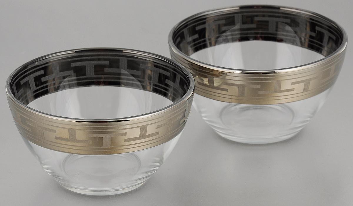 Набор салатников Гусь-Хрустальный Греческий узор, диаметр 13 см, 2 штGE01-1542Набор Гусь-Хрустальный Греческий узор, выполненный из высококачественного натрий-кальций-силикатного стекла, состоит из 2 глубоких салатников. Изделия оформлены красивым зеркальным покрытием и белым матовым орнаментом.Такие салатникипрекрасно подходят длясервировки различных закусок, подачи салатов из свежих овощей, фруктов и многогодругого.Набор Гусь-Хрустальный Греческий узор прекрасно оформит праздничный стол и удивит васизысканным дизайном. Диаметр салатника: 13 см. Высота: 7 см.