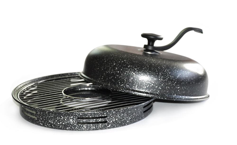 Сковорода Гриль-газ с крышкой, со съемной ручкой, с решеткой-гриль, с антипригарным покрытием. Диаметр 33 см.D-509D-509Сковорода Гриль-газ - это полноценный барбекю у вас на кухне! Можно насладиться вкусом любимых блюд из мяса курицы, рыбы, овощей и десертов. Продукты, приготовленные на такой сковороде, проходят термическую обработку по тому же принципу что и при приготовлении продуктов на традиционном мангале и без добавления масла.Изделия изготовлены из высококачественной углеродистой стали с антипригарным мраморным покрытием. Такое покрытие долговечно, безвредно,способно выдерживать нагрев до 400°C, а также устойчиво к возникновению царапин. В комплект входят решетка-гриль, специальный поддон-сковорода, съемная ручка и крышка, которую можно использовать в качестве отдельной сковороды.Со сковородой Гриль-газ вы получите здоровые и низкокалорийные блюда, без жиров, дыма и посторонних запахов. Подходит для использования на газовых плитах. Диаметр крышки-сковороды: 33 см.
