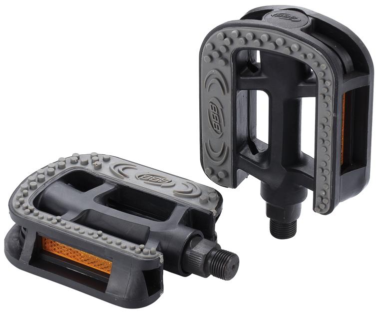 Педали BBB EasyTrek, 2 штBPD-26Прочные педали BBB EasyTrek выполнены из композитного материала. Два отражателя обеспечивают безопасность на дороге. Хромомолибденовая ось. Резиновое покрытие защищает от проскальзывания.