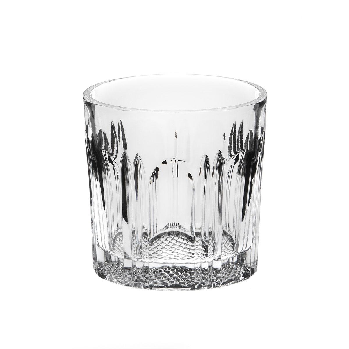 Хрустальные стаканы - красивое и простое решение для украшения праздничного стола. Стаканы из хрусталя универсальны, они подойдут и для алкогольных напитков - вина, шампанского, и для освежающих - минеральной воды, компота или сока.   Если в вашей домашней коллекции еще нет предметов хрустальной посуды, купить хрустальные стаканы стоит обязательно.