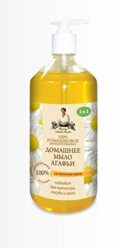 Рецепты бабушки Агафьимыло домашнее Агафьи 100% Ромашковое 1 л071-6-8209Мыло создано с учетом трех особенностей:1.Эффективность - эффективно для любых поверхностей;2.Чистота - удаляет загрязнения разной природы в теплой и холодной воде;3.Безопасность - 100 % смывается, можно использовать даже для мытья фруктов. Мыльный корень - натуральная, хорошо пенящаяся основа, эффективно очищающая, но при этом абсолютно безопасная и гораздо мягче щелочной, используемой в обычном мыле.Природные антисептические свойства ромашки позволяют эффективно использовать мыло не только для ежедневного ухода за кожей рук, но и на кухне- для мытья посуды и рабочих поверхностей.