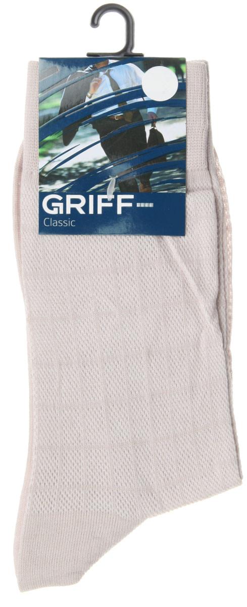 Носки мужские Griff Classic, цвет: светло-серый. A21. Размер 42/44A21Мужские носки Griff Classic, вывязанные техникой платировки, изготовлены из высококачественного сырья с добавлением полиамидных волокон, которые обеспечивают великолепную посадку. Носки отличаются элегантным внешним видом. Удобная широкая резинка идеально облегает ногу и не пережимает сосуды, усиленные пятка и мысок повышают износоустойчивость носка, а удлиненный паголенок придает более эстетичный вид.
