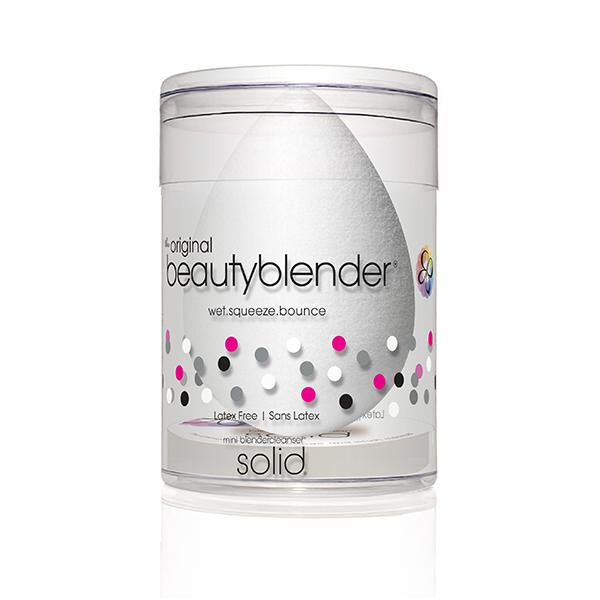 Beautyblender Спонж pure и мини мыло для очистки Solid Blendercleanser1038beautyblender pure созданный специально для нанесения косметических продуктов и средств макияжа, этот бесцветный beautyblender великолепно подходит для чувствительной кожи и применяется для нанесения сывороток и увлажняющих средств, создавая профессиональный макияж. Дает более тонкое покрытие. Мыло blendercleanser идеально подходит для очищения спонжа. Удобнодля путешествий, для точечного очищения, для очищения кистей. А легкая отдушка лаванды создаст атмосферу гармонии.