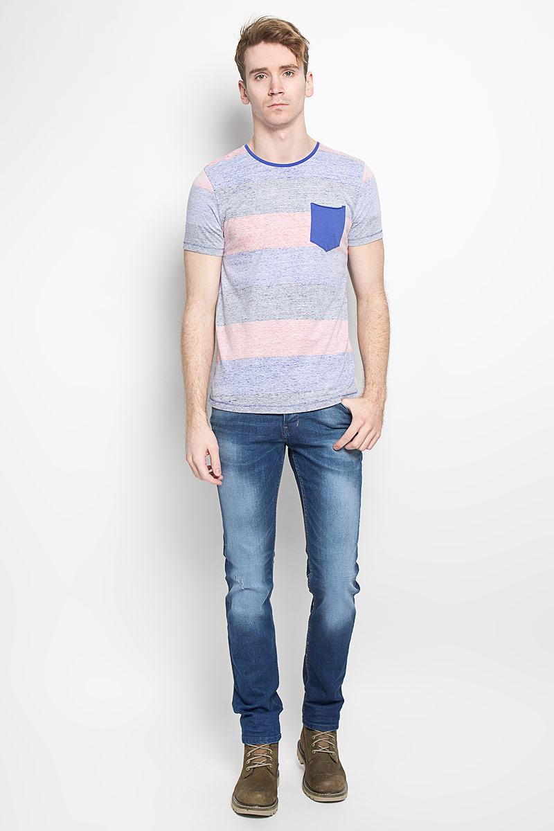 Футболка мужская Tom Tailor Denim, цвет: голубой, серый, розовый. 1033291.09.12_6814. Размер L (50)1033291.09.12_6814Стильная мужская футболка Tom Tailor Denim выполнена из высококачественного 100% хлопка. Материал очень мягкий и приятный на ощупь, обладает высокой воздухопроницаемостью и гигроскопичностью, позволяет коже дышать. Модель прямого кроя с круглым вырезом горловины и короткими рукавами оформлена принтом в широкую полоску. Горловина дополнена трикотажной вставкой. На груди модель оформлена небольшим накладным кармашком.Такая модель будет дарить вам комфорт в течение всего дня и послужит замечательным дополнением к вашему гардеробу.