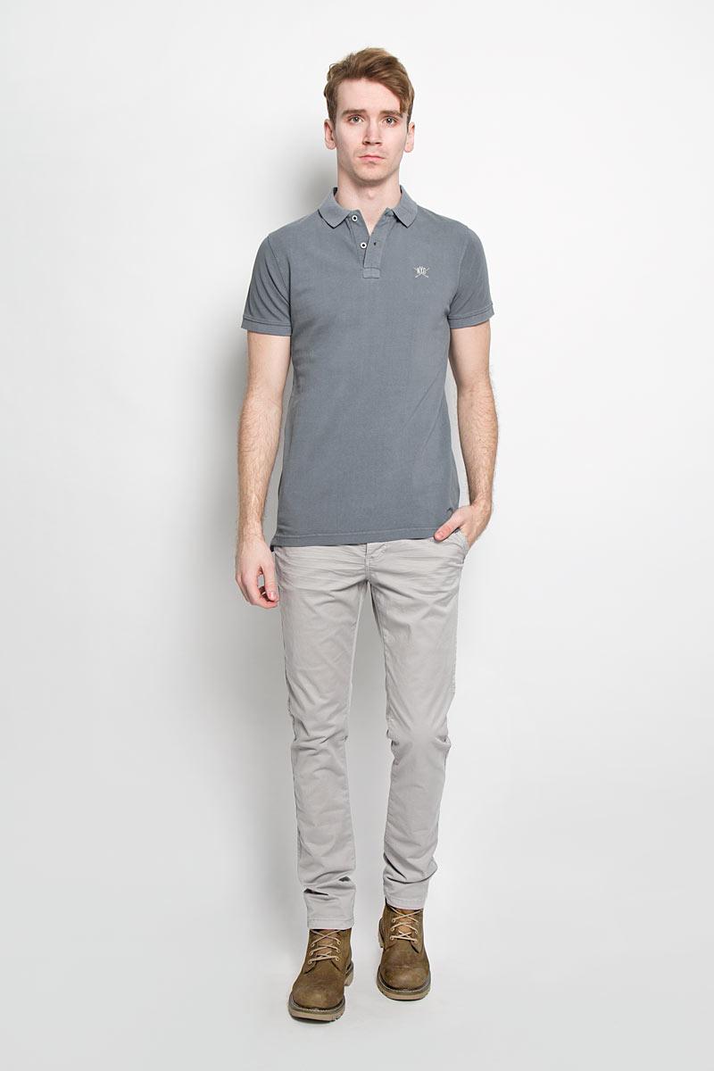 Поло мужское Broadway, цвет: серый. 20100096 597. Размер M (48)20100096 597Стильная мужская футболка-поло Broadway, выполненная из высококачественного хлопка, обладает высокой теплопроводностью, воздухопроницаемостью и гигроскопичностью, позволяет коже дышать.Модель с короткими рукавами и отложным воротником - идеальный вариант для создания оригинального современного образа. Сверху футболка-поло застегивается на две пуговицы. Воротник и манжеты рукавов выполнены из трикотажной резинки. По бокам модели предусмотрены небольшие разрезы. Модель оформлена на груди небольшой вышивкой в виде логотипа производителя.Такая модель подарит вам комфорт в течение всего дня и послужит замечательным дополнением к вашему гардеробу.