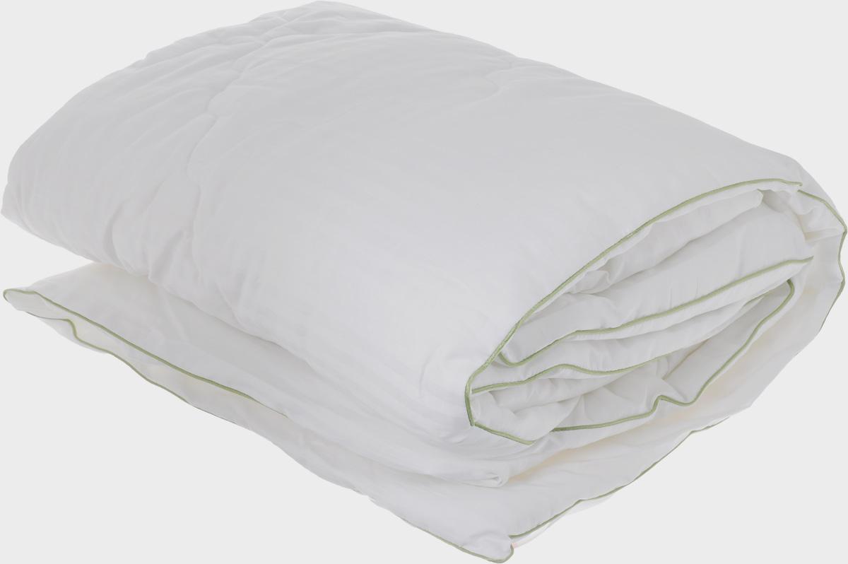Одеяло легкое Легкие сны Бамбоо, наполнитель: бамбуковое волокно, 140 х 205 см140(40)03-БВОЛегкое одеяло Легкие сны Бамбоо с наполнителем из бамбука расслабит, снимет усталость и подарит вам спокойный и здоровый сон. Волокно бамбука - это натуральный материал, добываемый из стеблей растения. Он обладает способностью быстро впитывать и испарять влагу, а также антибактериальными свойствами, что препятствует появлению пылевых клещей и болезнетворных бактерий. Изделия с наполнителем из бамбука легко пропускают воздух, создавая охлаждающий эффект, поэтому им нет равных в жару. Они отличаются превосходными дезодорирующими свойствами, мягкие, легкие, простые в уходе, гипоаллергенные и подходят абсолютно всем. Чехол одеяла выполнен из сатина (100% хлопок). Одеяло простегано и окантовано. Стежка надежно удерживает наполнитель внутри и не позволяет ему скатываться. Одеяло можно стирать в стиральной машине.